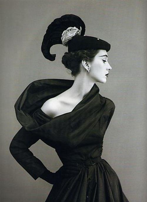 Cristobal-Balenciaga-Harpers-Bazaar-1950